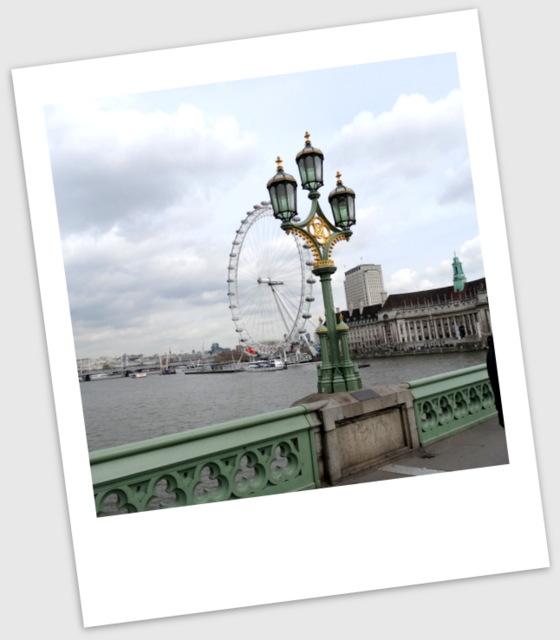 London3 058