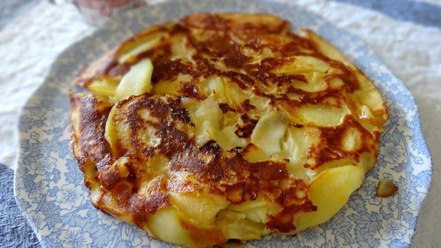 Cr pe aux pommes eva torocoro - Pate a crepe grand mere ...