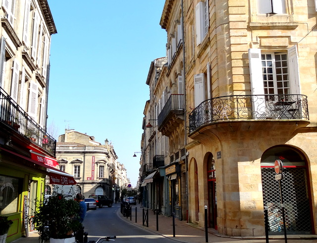 Rue notre dame bordeaux eva torocoro for Domon lachine qc