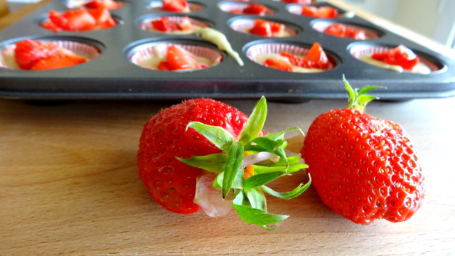 1-Muffins fraise & pomme 044