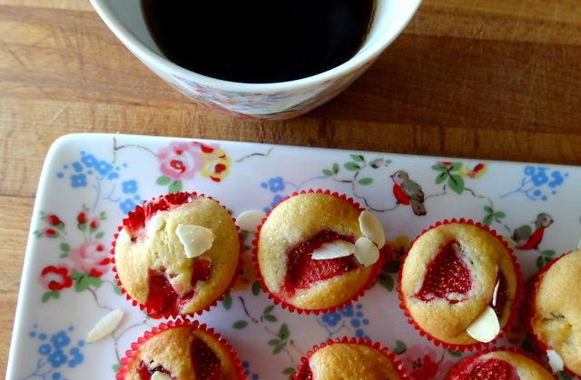 1-Muffins fraise & pomme 096